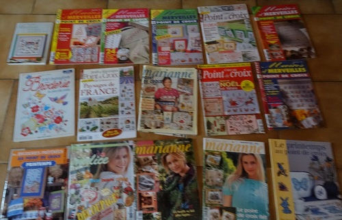 Nombreux livres à vendre