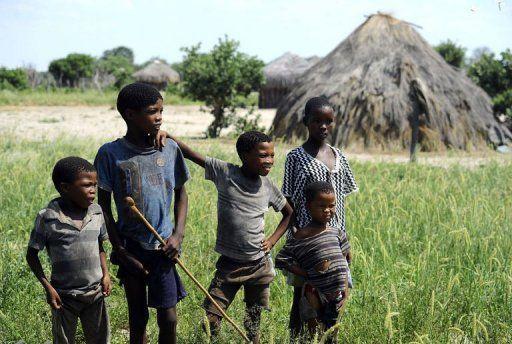 Botswana: la réserve du Kalahari, cité perdue des derniers Bushmen San