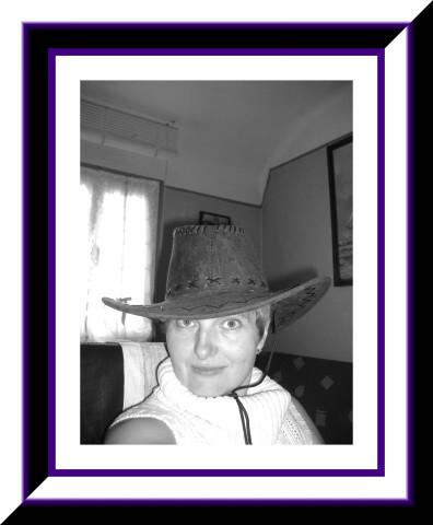 profil-noir-violet1.jpg