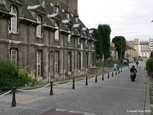 Les anciens locaux de l'hôpital St-Louis à Paris