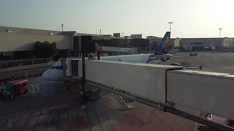 Départ matinal de l'île en direction de l'aéroport de palma -