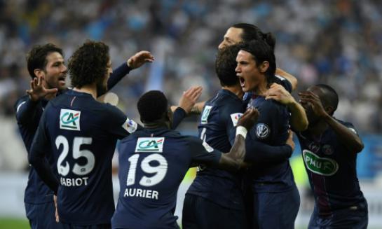 Les Parisiens fêtent le but de Zlatan Ibrahimovic, le 21 mai 2016, au Stade de France