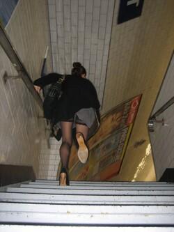 Sous les jupes