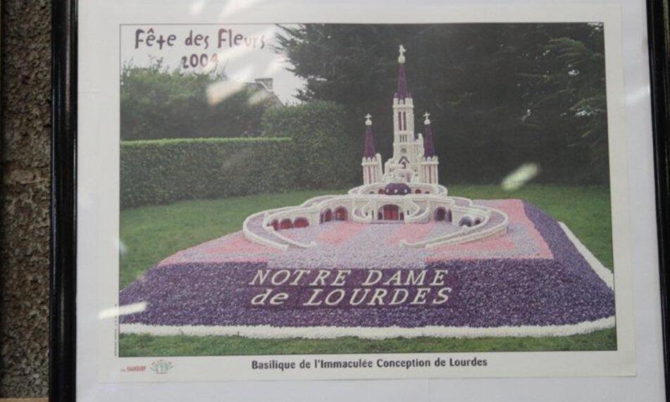 Fleurs jardin et La Torche 053
