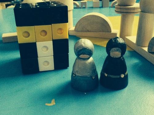 Petites figurines sans visages