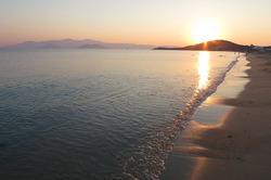 Le port de Pirée et l'ile de Naxos
