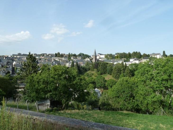 Vue sur le village - Pierrefort