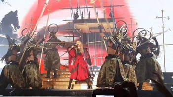 Rebel Heart Tour - 2015 10 14 - Vancouver (6)