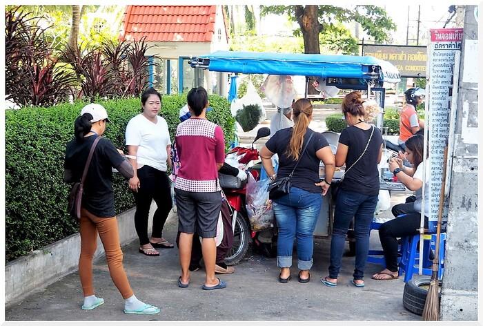 Thaïlande, Jomtien, commerces des rues.