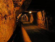 Deep Town : prenez la tête d'une entreprise minière