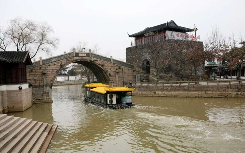 SUZHOU prononcer Sou-djo  la ville la filature de soie et Le Jardin Liu ( Liu Yuan )
