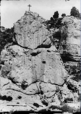 La Pierre Écrite de Chardavon, Théopli, St-Geniez