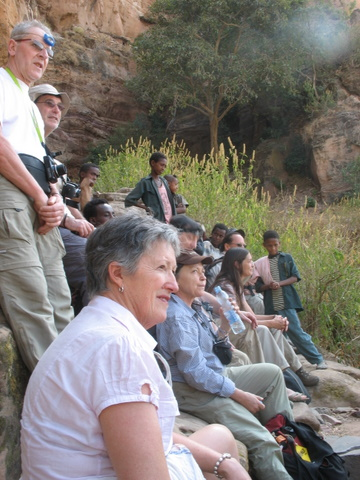 Abyi Adi - un groupe de farenji dans la montagne