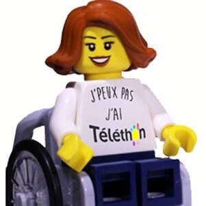 Un fauteuil roulant électrique.....