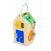 Maison a serrures et clés en bois