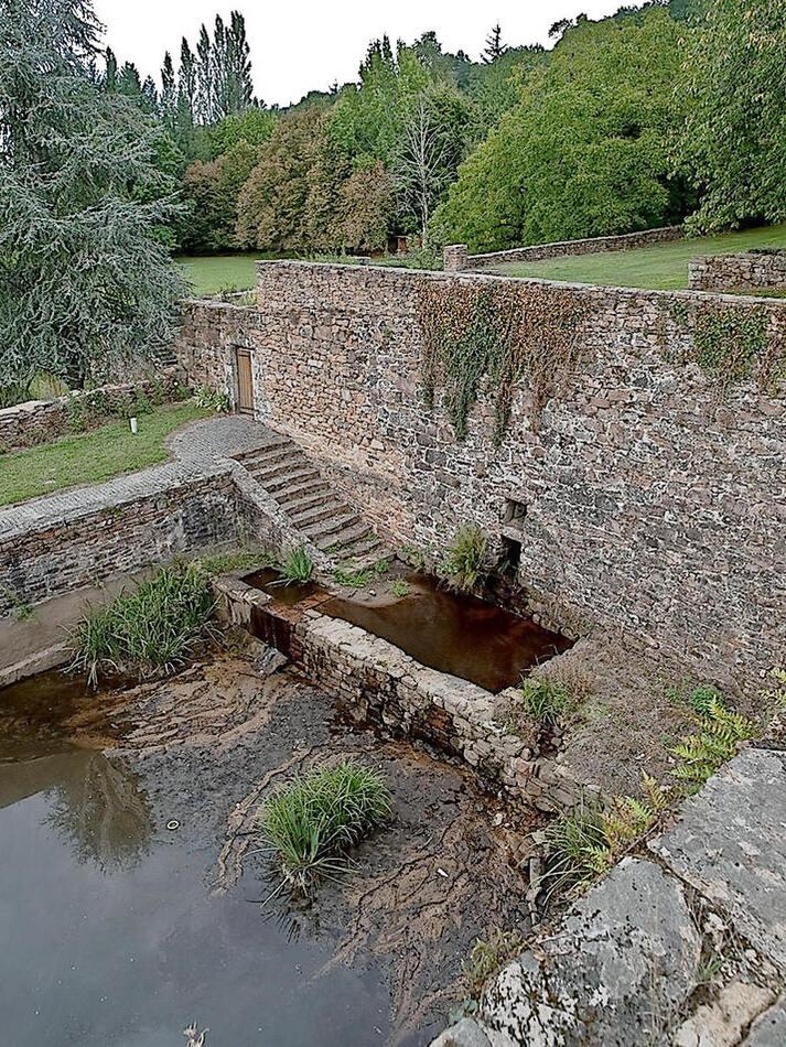 Le Canal des Moines : bassin de l'abbaye