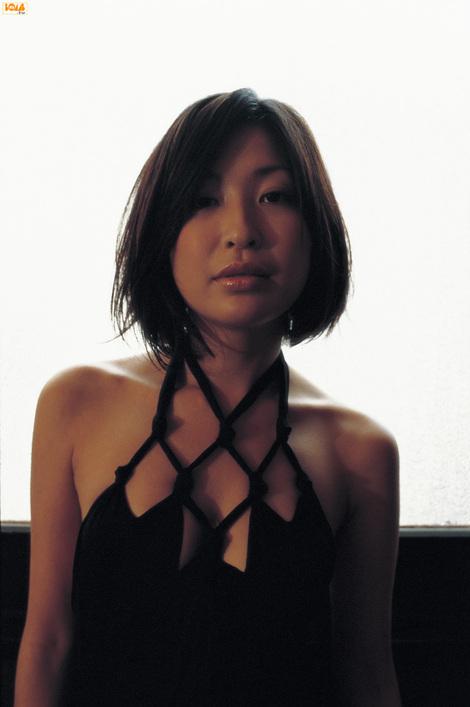 WEB Gravure : ( [Bomb.tv - GRAVURE Channel] - | 2005.08 | Mayumi Ono/小野真弓 )