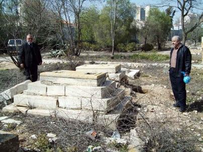 إسرائيل تنبش قبور الصحابة