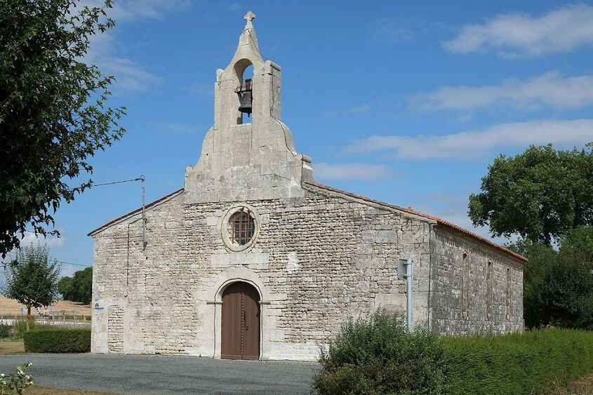673 - Eglise Saint-Martin - Bazauges.jpg