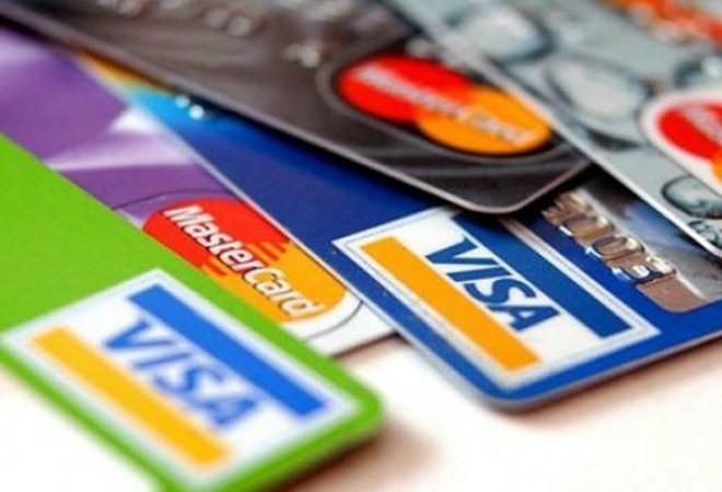 Thu nhập 10 triệu đồng có nên dùng thẻ tín dụng?