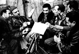 Krim Belkacem, Ali Zamoum