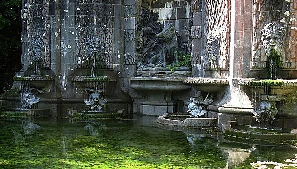 Trevarez--Fontaine-de-la-chasse-27-4-11-IMG_0063.JPG