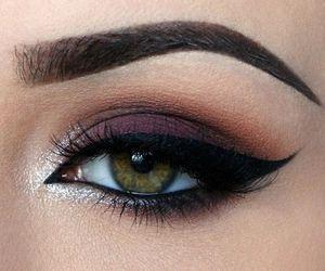 Le maquillage des yeux est indispensable pour avoir un regard de braise ! et comme des fois il n'est pas toujours simple de trouver l'inspiration , voici les pl: