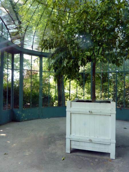 26 - Le kiosque du Jardin des Batignoles