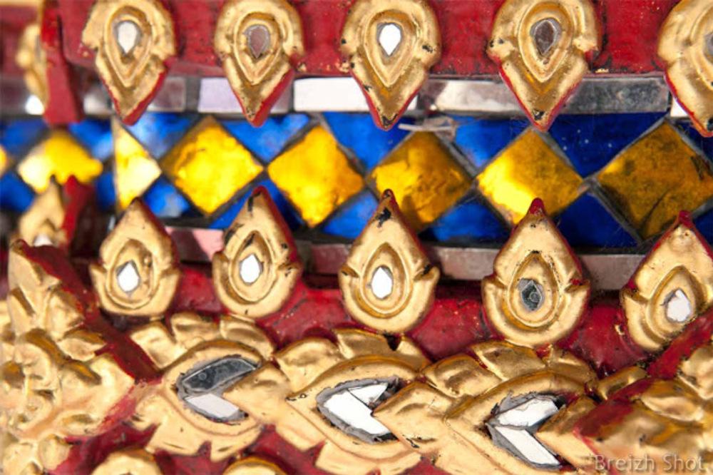 Wat Pho :  Dorures et verroteries