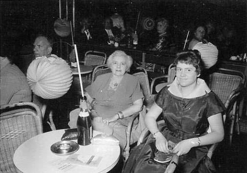 Souvenir quand tu nous tiens : Tante Jeanne et moi 3