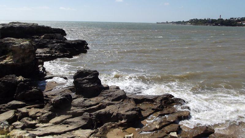 Je me suis engagée sur cette première partie des roches, qui démarre d'un rehaut sableux.