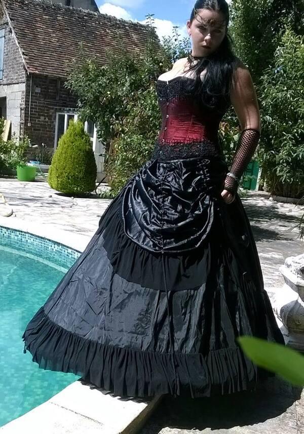 Nemesis Selenae, modèle