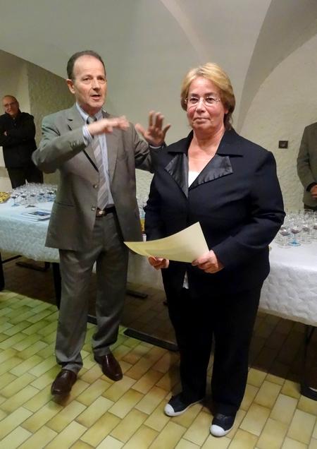 """La remise des prix  aux lauréats des """"Maisons Fleuries """" de Châtillon sur Seine pour 2014 a eu lieu salle des Bénédictines"""