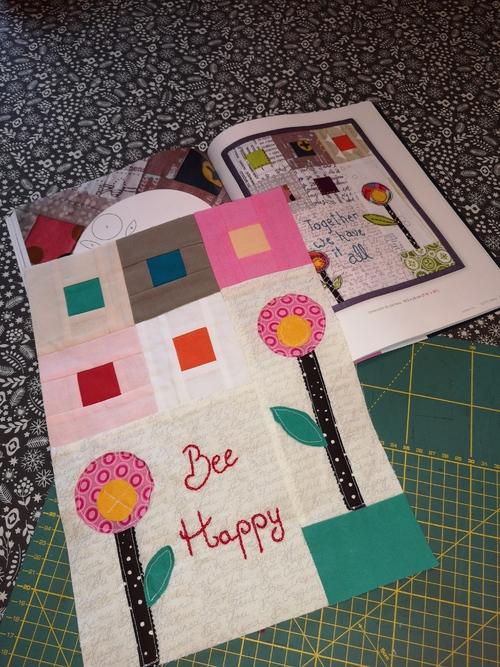 Baby quilt : bee hapoy
