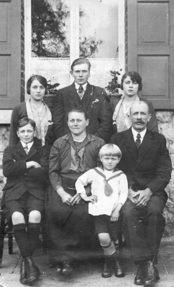Bioul - Ma famille maternelle Joseph DUCULOT-BURTON.