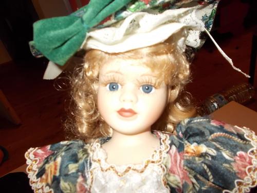 J'adore les poupées de porcelaine *^*!!
