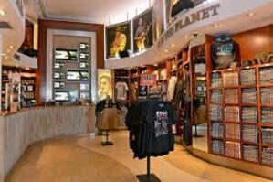 * Petit crochet par le Hard Rock Cafe