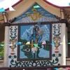 devant un temple 2.JPG