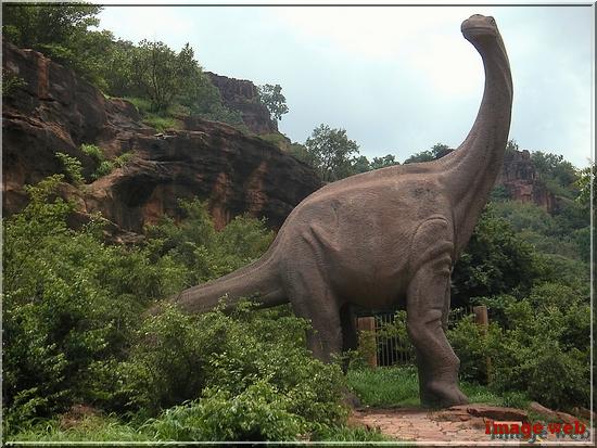 - L'extinction des espèces il y a 200 millions d'années serait due à des volcans.
