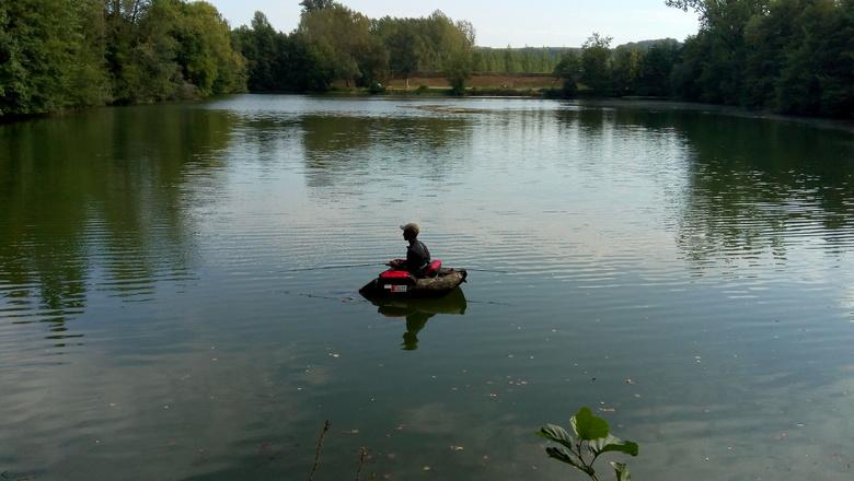 en float tube sur le lac de Barsac (Gironde)