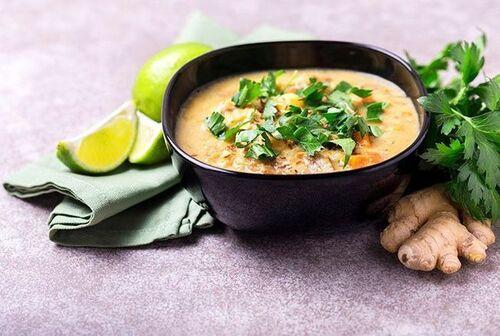 Soupe coco curry et crevettes de Cyril Lignac