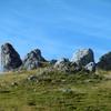 Passage près d'une couronne de rochers