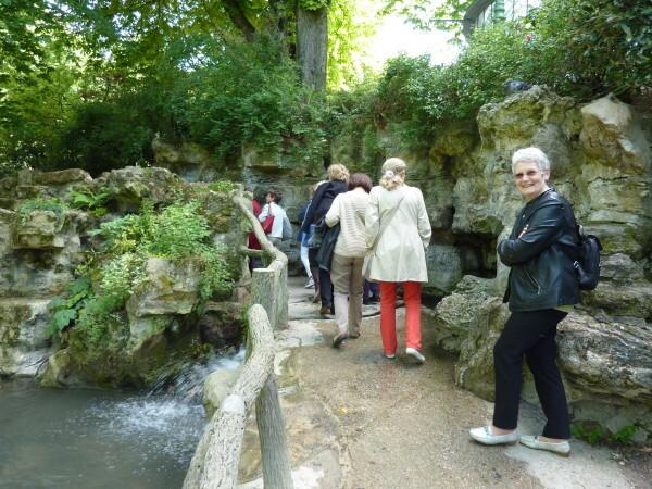 30 - Evelyne au Jardin des Batignoles