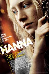 HANNA : Hanna est une jeune adolescente de 14 ans de l?Europe de l?Est. Elle a été entraînée pour devenir une machine à tuer de sang froid. Mais Hanna découvre qu?une autre vie est possible lorsqu?elle rentre en contact avec une famille française, et surtout quand elle devient amie avec leur fille. Mais son père essaye de la ramener dans son monde. Elle découvre alors qu?elle a été élevée comme une tueuse dans un camp de prisonnier de la CIA. Hanna finit par lutter pour reconquérir sa liberté et une vie normale. ...-----... Origine : Américain  Réalisation : Joe Wright  Durée : 1h 57min  Acteur(s) : Saoirse Ronan,Eric Bana,Vicky Krieps  Genre : Thriller,Drame,Action  Date de sortie : 6 juillet 2011  Année de production : 2011  Distributeur : Sony Pictures Releasing France  Critiques Spectateurs : 3,3