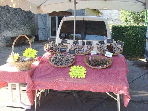 Le Marché Gourmand de Villaines en Duesmois..