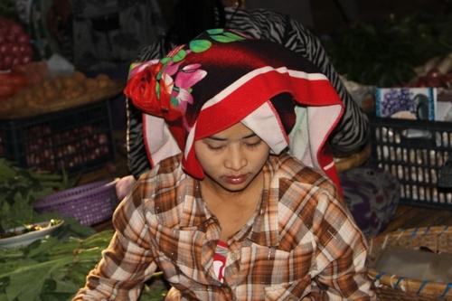 Le marché de Nyang U à Bagan (Birmanie)