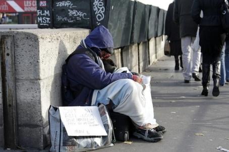 Pauvre dans-les-rues-de-Paris.-930620_scalewidth_630.jpg