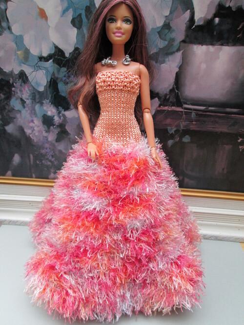 Robe longue saumon pour barbie