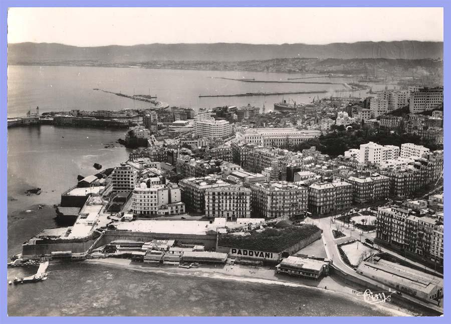Vue aérienne sur le quartier Nelson et le Port d'Alger