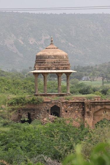 Bhangarh - la ville hantée de l'Inde ...